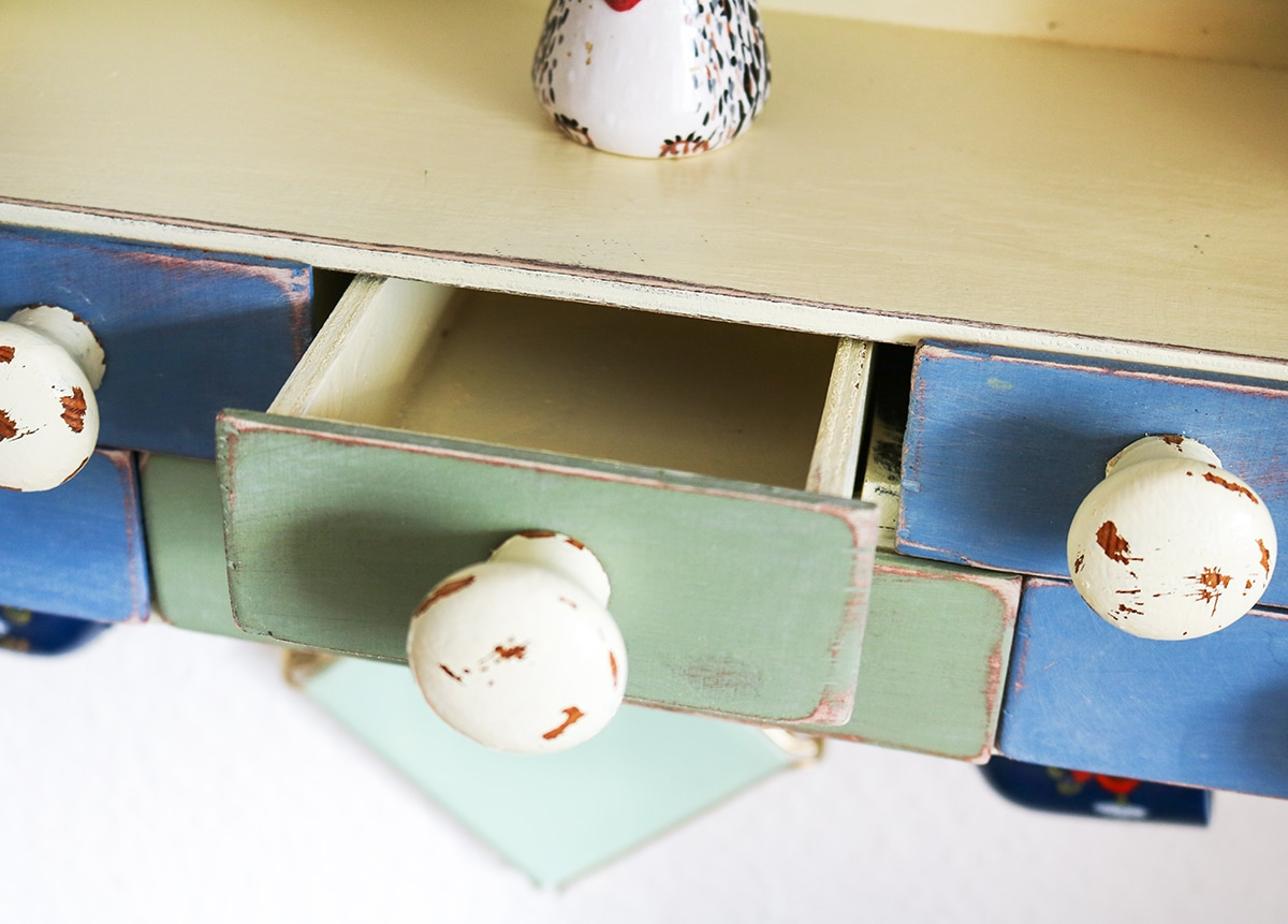 DIY Vintage Regal in Shabby-Chic-Look selber bauen