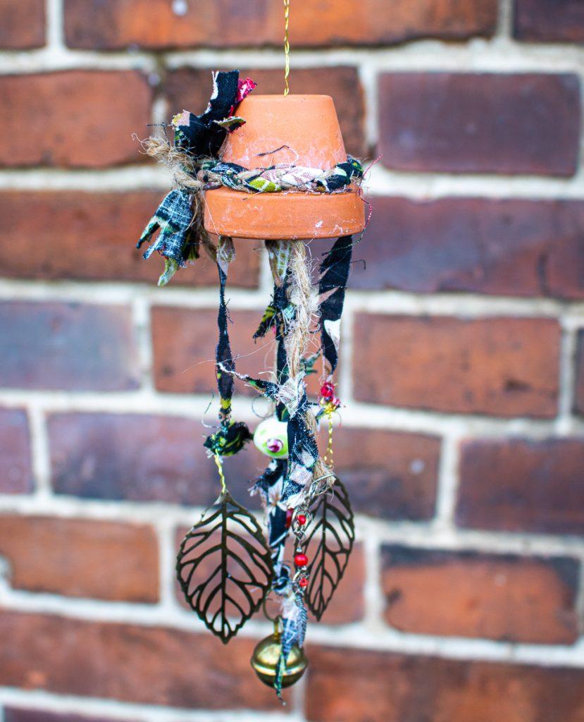 Upcycling - Basteln mit Schmuckresten - Windspiel für den Garten
