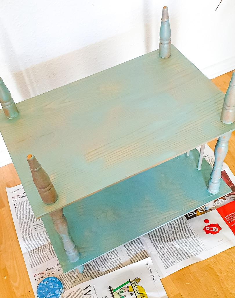 Tisch mit Kreidefarbe streichen  Kreidefarbe deckt nicht